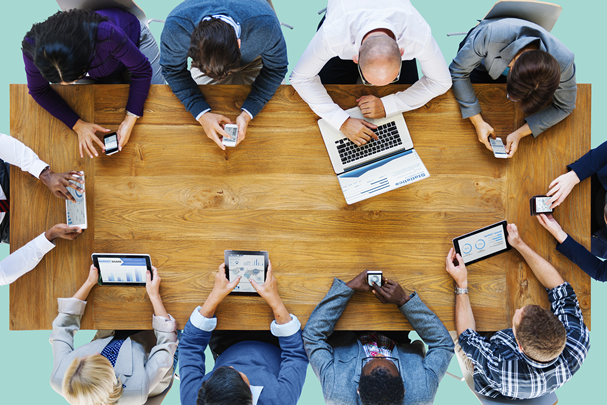 How to Communicate With Customers in a Digital Environment