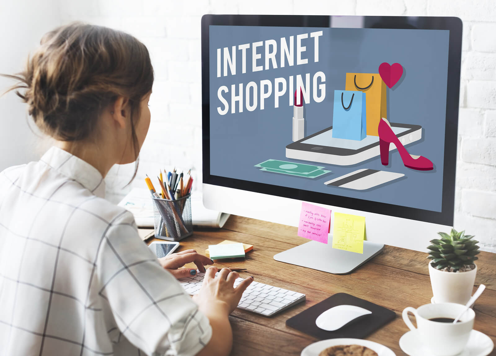 3 Easy Ways to Improve Online Shopping Experience for Customers
