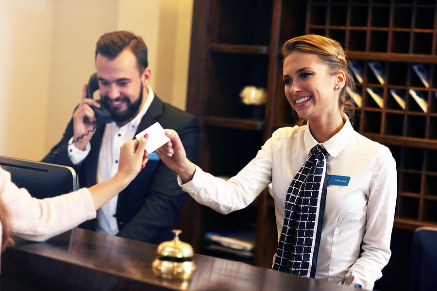 The Red-Carpet Treatment: Live Chat Service for the Hospitality Industry